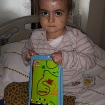 İrem-Taban-6-yaşında-bir-kelebek-Diyarbakırın-Ergani-ilçesinde-yaşıyor-kapalı-olan-el-parmakları-ameliyatla-açıldı