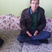 Mehmet-Kaçmaz-21-yaşında-bir-kelebek-Diyarbakırın-Çermik-ilçesinde-yaşıyor-5-yıldır-kapalı-olan-el-parmaklarına-geçirdiği-ameliyatla-kavuştu.